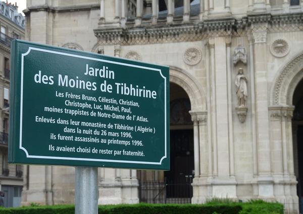 memorial plaque jardin